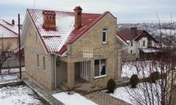 De ce e mai bine să-ţi cumperi casă iarna?